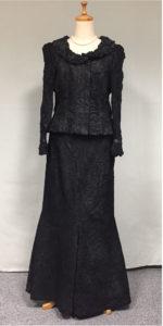 黒の豪華な母親ドレス