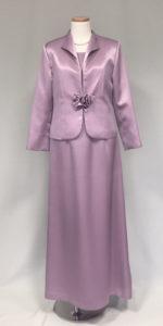 色留袖に匹敵するドレス
