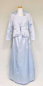 薄いブルーのアフタヌーンドレス