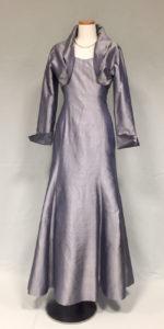 バンコクで1番有名なシルクを扱う店のドレス