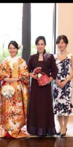 母と花嫁の姉妹
